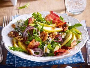 Birnen-Rucola-Salat mit Blauschimmelkäse und Walnüssen Rezept