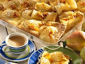Birnenkuchen vom Blech mit Eierguss Rezept