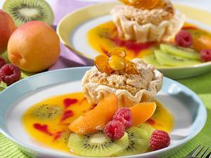 Blätterteig-Törtchen auf dreierlei Fruchtpüree Rezept