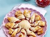 Blätterteig-Torte mit Erdbeerkonfitüre Rezept