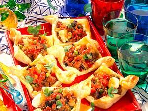 Blätterteignester mit chinesischer Füllung Rezept