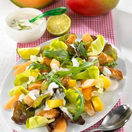 Blattspinat mit Mango & Putenstreifen Rezept