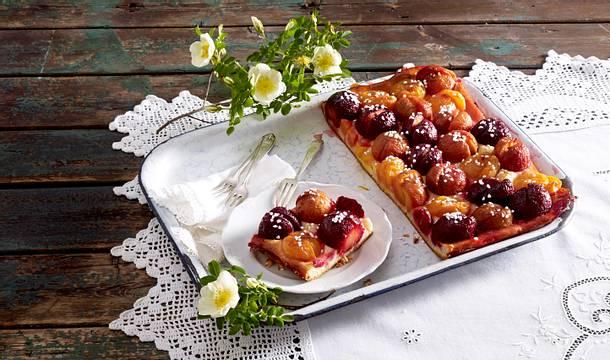 Blechkuchen mit Zuckerpflaumen Rezept