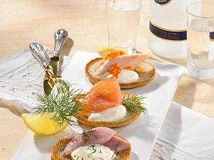 Bliny mit Hering, Forelle & Lachs Rezept