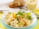 Blumenkohl-Zuckerschoten-Salat mit Curry-Erdnuss-Joghurt-Dressing Rezept