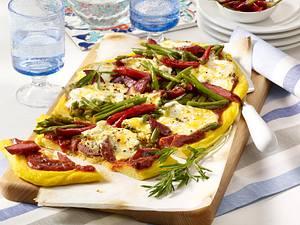 Bohnen-Pizza mit Polentaboden Rezept