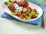 Bohnen-Tomaten-Gemüse zu Frikadellen Rezept