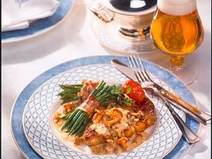 Bohnenpäckchen mit Pfifferlingsrahm und Rumpsteak Rezept