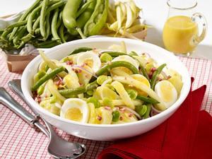 Bohnensalat mit Kartoffeln und Ei Rezept