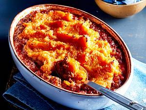 Bolognese-Auflauf mit Bohnen und Süßkartoffelhaube Rezept