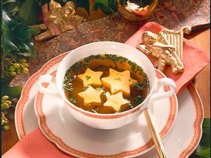 Bouillon mit Eierstich-Sternen Rezept