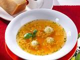 Bouillon mit Parmesan-Klößchen Rezept
