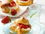 Brandteig Wölkchen mit Erdbeeren Rezept