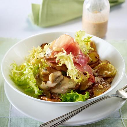 Bratkartoffelsalat mit Schinken und Buttermilchdressing Rezept