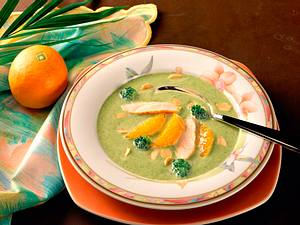 Broccoli-Cremesuppe mit Orangenfilets Rezept