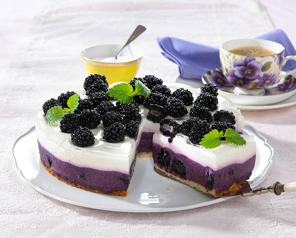 brombeer joghurt torte rezept lecker. Black Bedroom Furniture Sets. Home Design Ideas
