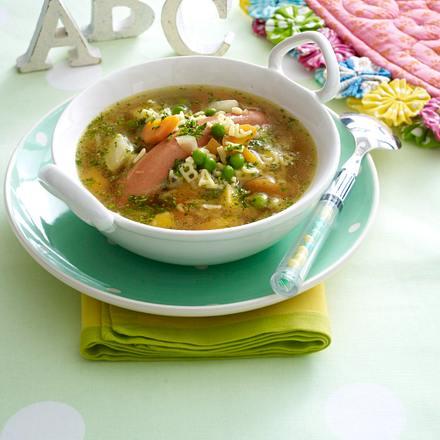 Bunte ABC-Nudelsuppe mit Würstchen und Gemüse Rezept