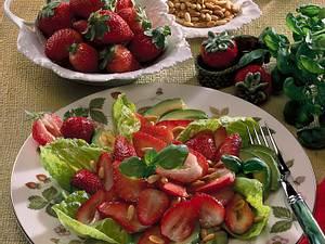 Bunter Erdbeer-Avocado- Blattsalat Rezept
