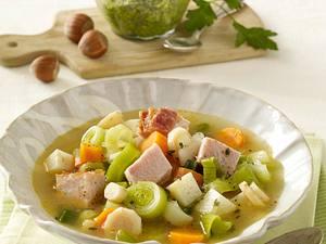 Bunter Gemüse-Eintopf mit Haselnuss-Petersilien-Pesto Rezept