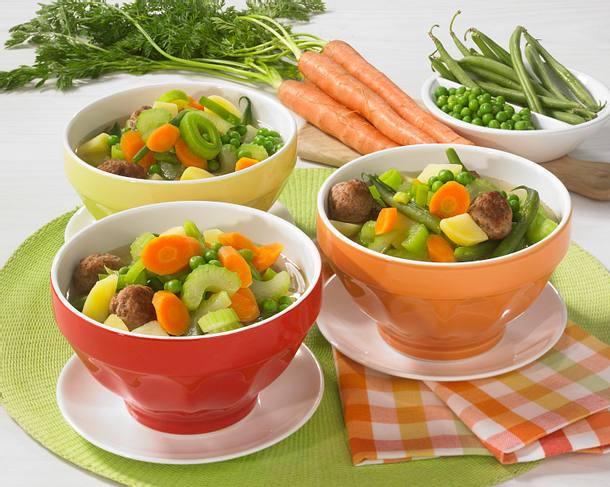 Bunter Gemüseeintopf mit Hackklößchen Rezept