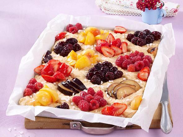 Bunter Sommerfrüchte-Kuchen Rezept
