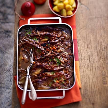 Burgunder-Rostbraten zu Röstkartoffeln Rezept