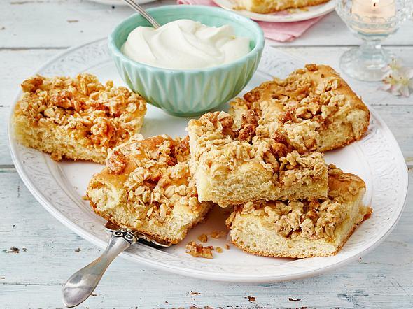 Butterkuchen mit Krokantstreuseln Rezept