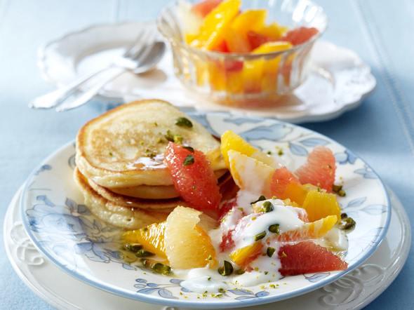 Buttermilch-Pancakes mit Zitrussalat Rezept