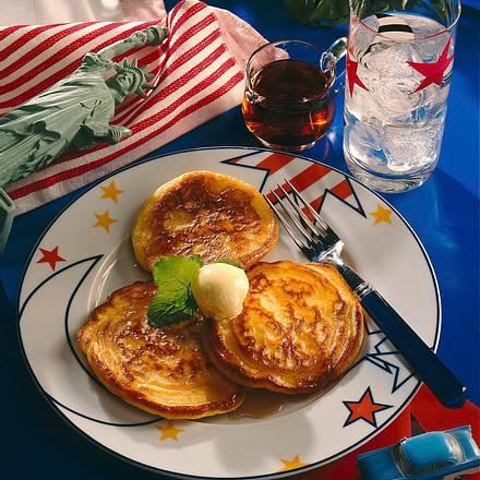 Buttermilch-Pfannkuchen mit Ahornsirup Rezept