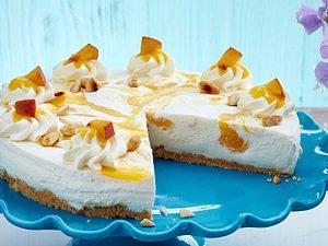 Buttermilch-Pfirsich-Torte mit Mandeln Rezept