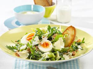 Caesar Salad mit Joghurt-Knobi-Dressing Rezept
