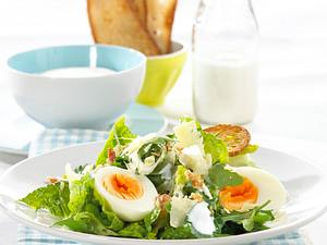 Caesar Salad mit Joghurt-Knoblauch-Dressing Rezept