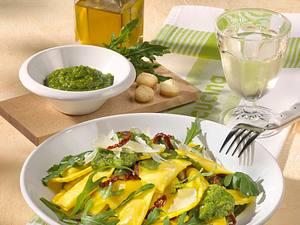 Cappelletti mit getrockneten Tomaten und Rucola-Pesto Rezept