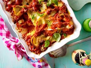 Cheesy-Pasta (Gefüllte Muschelnudeln in Tomatensoße) Rezept