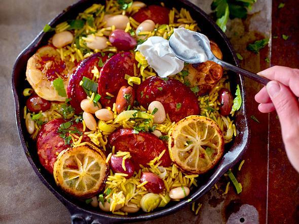 Chorizo-Blitz-Paella mit Oliven Rezept