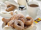Churros und Chocolate Caliente (Spritzgebäck mit heißer Schokolade) Rezept