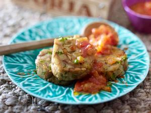 Ciabatta-Knödel mit Gemüse und spicy Tomatensoße Rezept