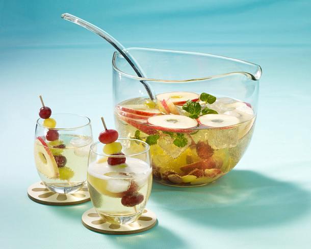 Cidre-Bowle mit Äpfeln und Trauben Rezept