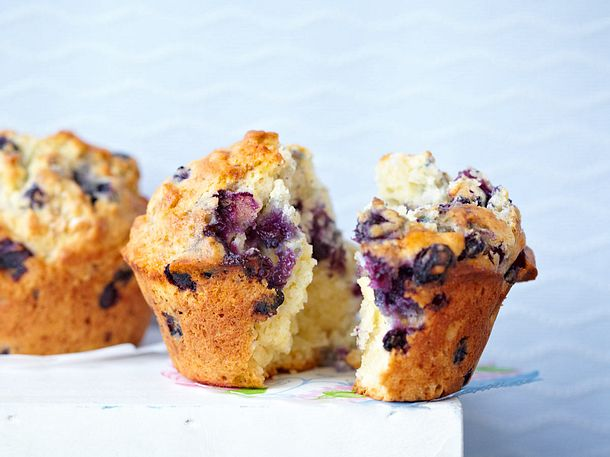 classic blueberry muffins blaubeer muffins rezept lecker. Black Bedroom Furniture Sets. Home Design Ideas