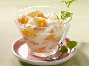 Clementinen-Joghurt mit Haselnussblättchen Rezept