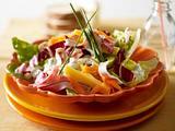 Cordon-bleu-Salat mit Kräuter-Schmand-Dressing Rezept
