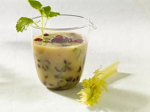 Cranberry Senf Vinaigrette mit Melisse Rezept