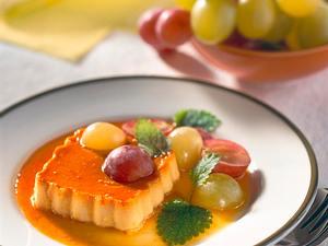Creme Karamell mit Traubensalat Rezept