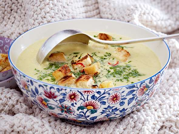 Cremige Wirsing-Parmesan-Suppe Rezept