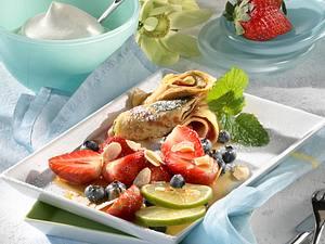 Crêpes mit marinierten Früchten Rezept