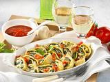 Crespelle mit Spinat-Ricotta-Füllung und Tomatensoße Rezept