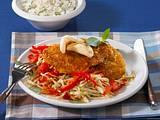 Crispy Asia-Schnitzel mit scharfem Kohl Rezept