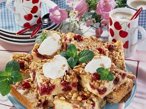 Crunchy-Kirschkuchen Rezept