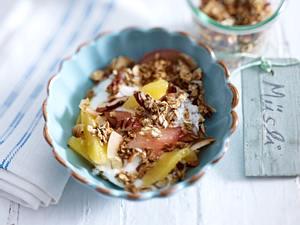 Crunchy Müsli mit Joghurt, Orangen und Grapefruit Rezept