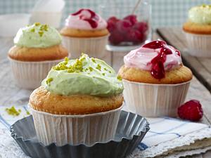 Cupcakes mit Himbeer- und Pistazien-Frischkäsecreme Rezept